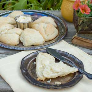 Lazy Heavy Cream Biscuits