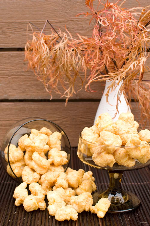 Caramel Puffed Corn